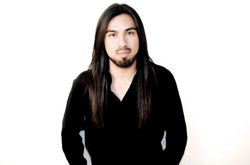 Marco Ochoa, estilista de cejas.